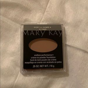 Mary Kay ivory 4 endless perf créeme to powder